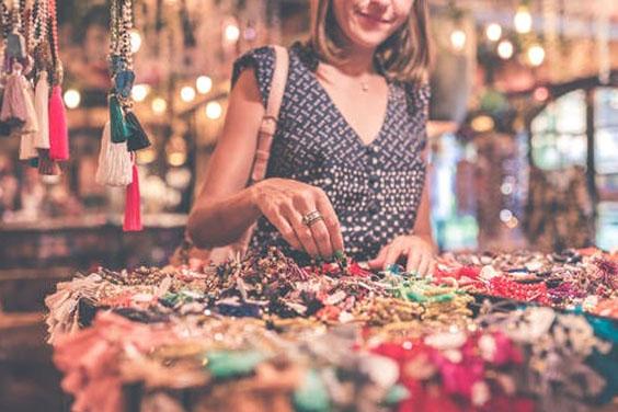 Buying wholesale jewelry